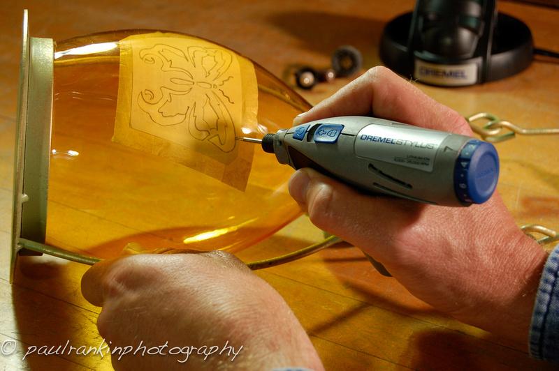 Чем сделать гравировку своими руками